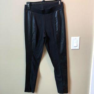 Pants - Black leggings New size medium